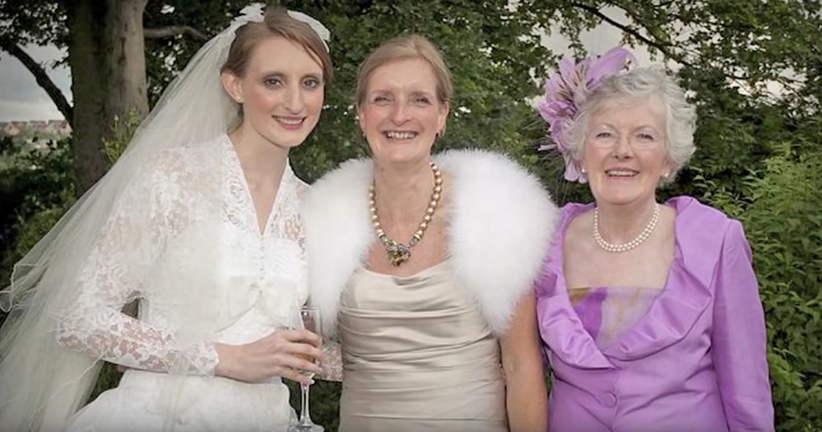 Daughter, Mother And Grandmother All Married On The Same Date ...
