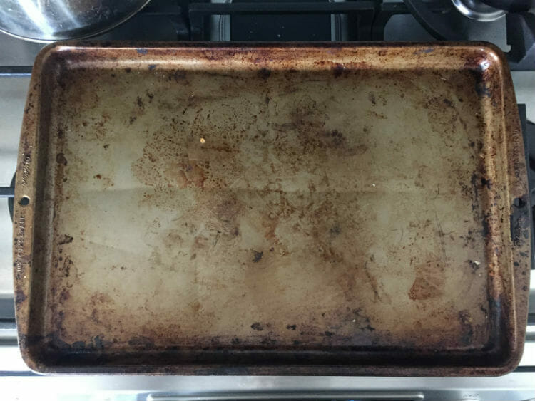 Baker Reveals Best Tips And Hacks For Cleaning Oven Trays