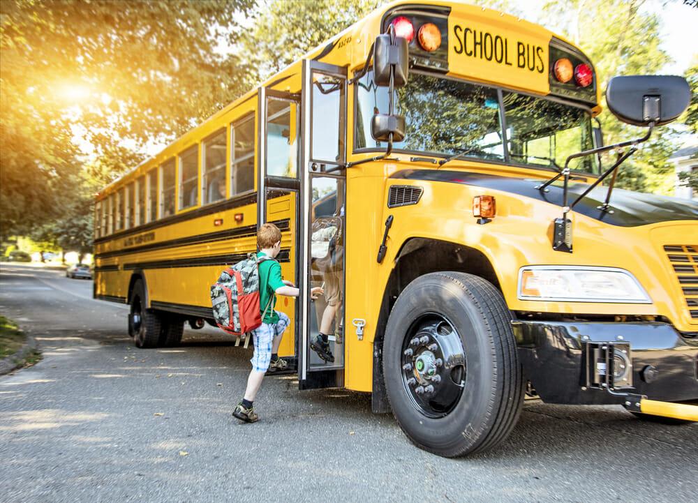 Xe buýt đi học tại canada