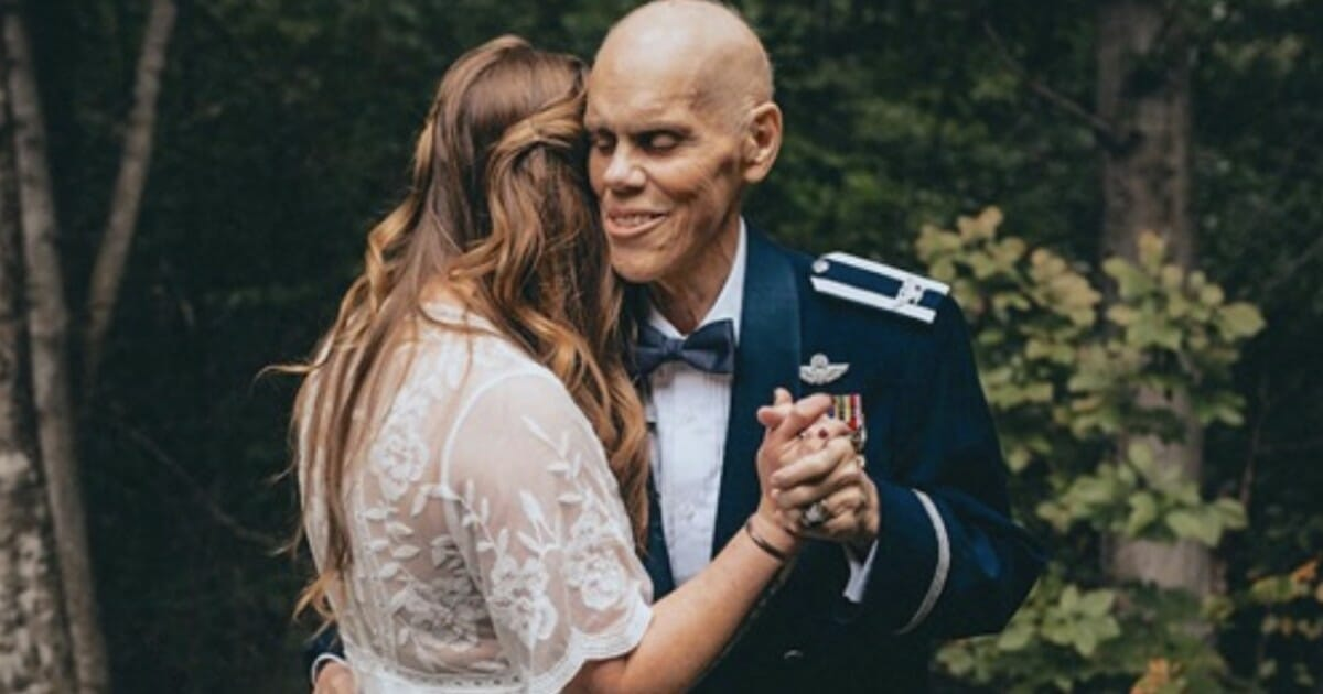 Bride calls off engagement photoshoot so she can have one last dance with dad dying of cancer