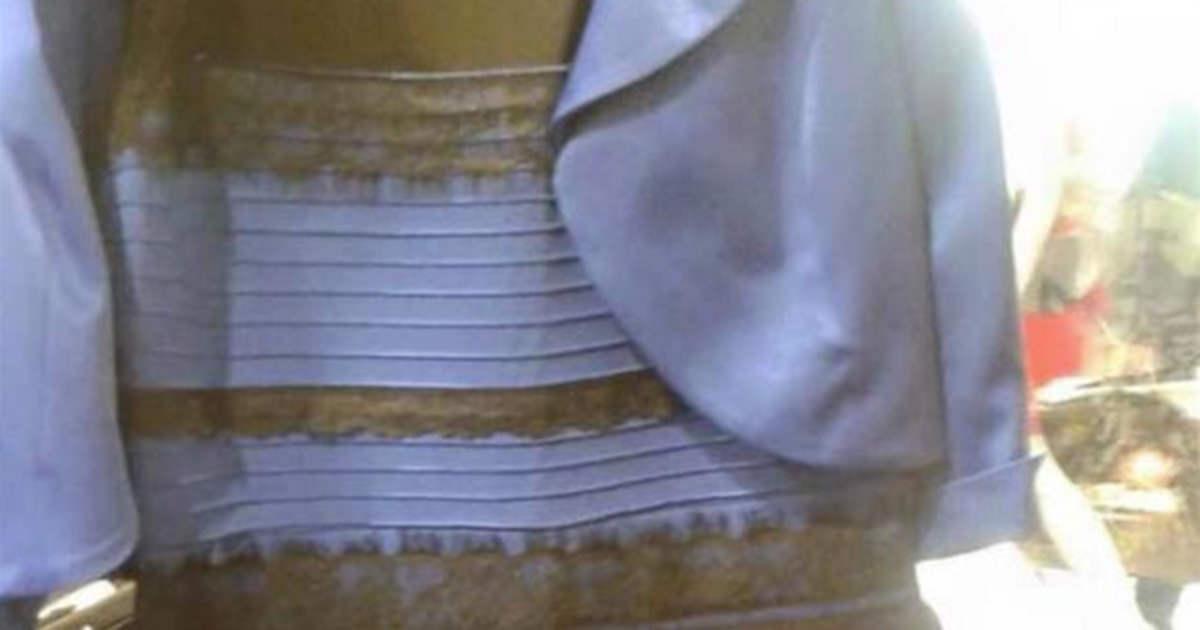 vilken färg är det på klänningen