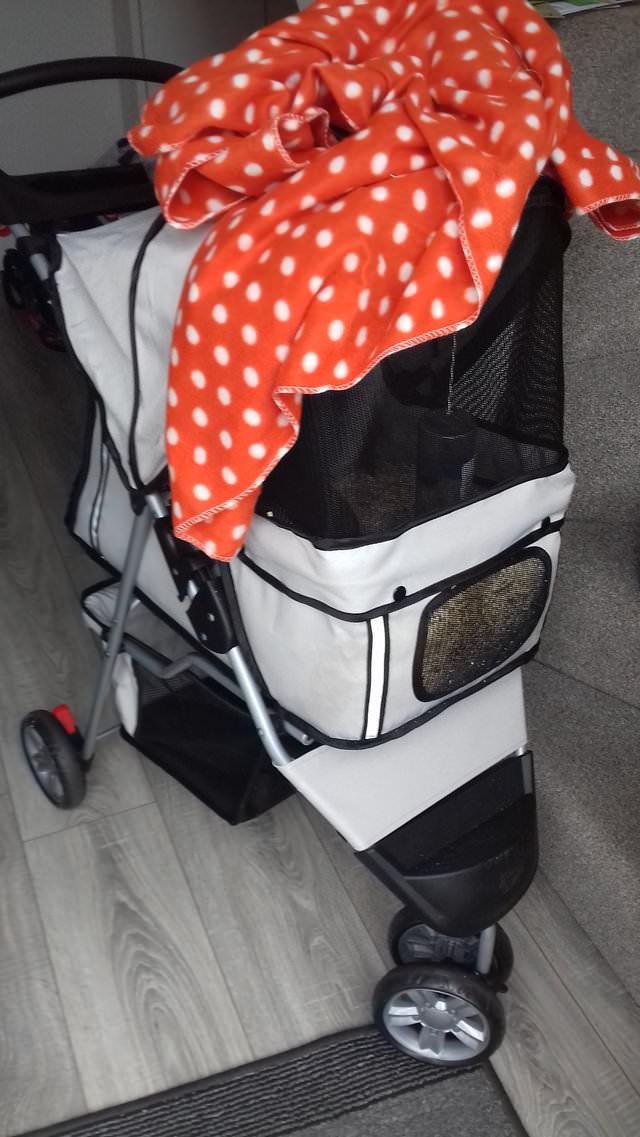Övergiven barnvagn