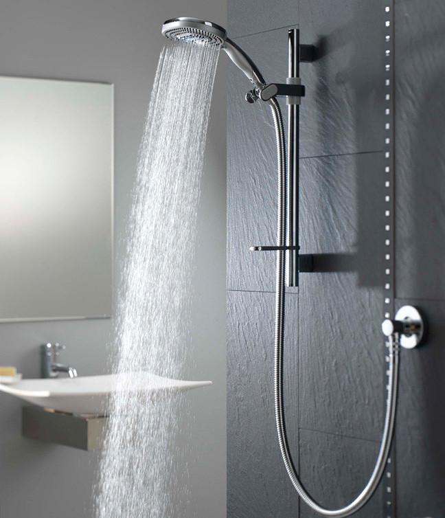4 skäl till varför du borde lätta på trycket i duschen