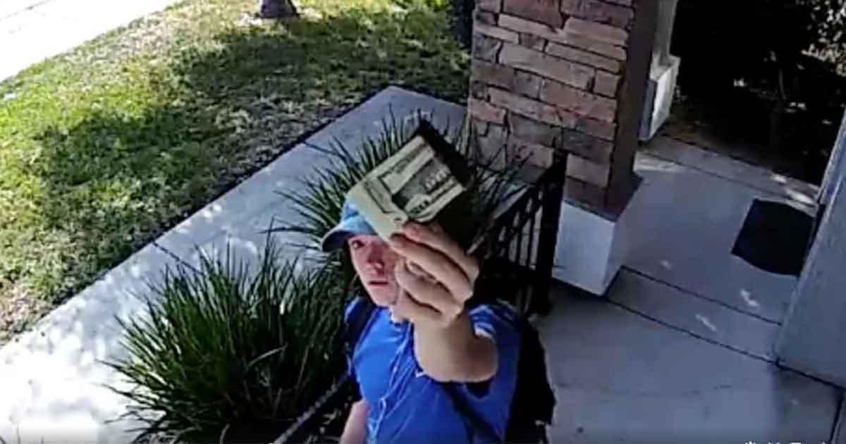 övervakningskamera pengar