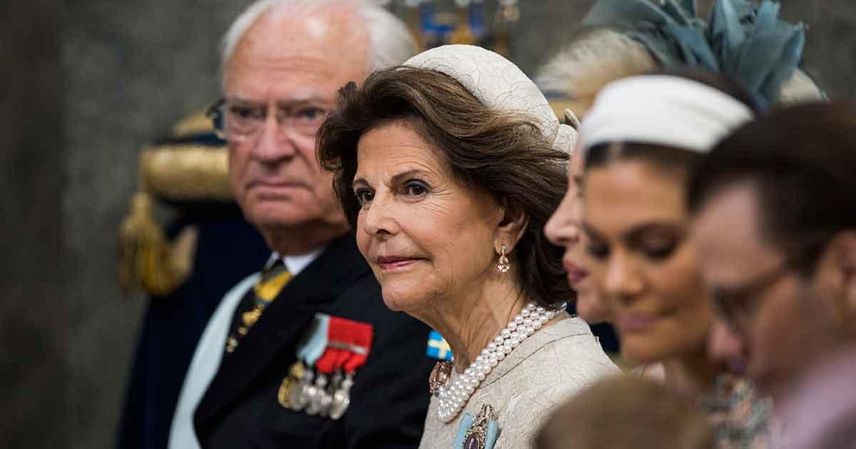 STOCKHOLM 20180608 Kund Carl Gustaf och drottning Silvia i Drottningholms Slottkapell. Idag döps prinsessan Madeleine och Christopher O'Neills dotter prinsessan Adrienne i Drottningholms slottskyrka. Foto: Pontus Lundahl / TT