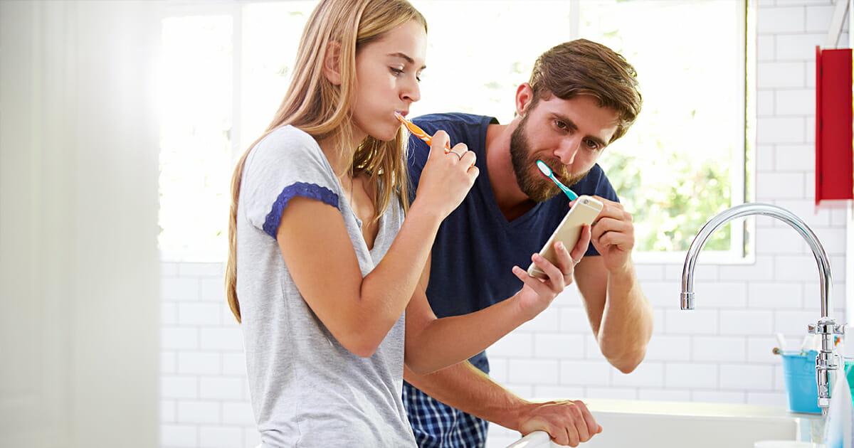 ska man skölja munnen efter tandborstning