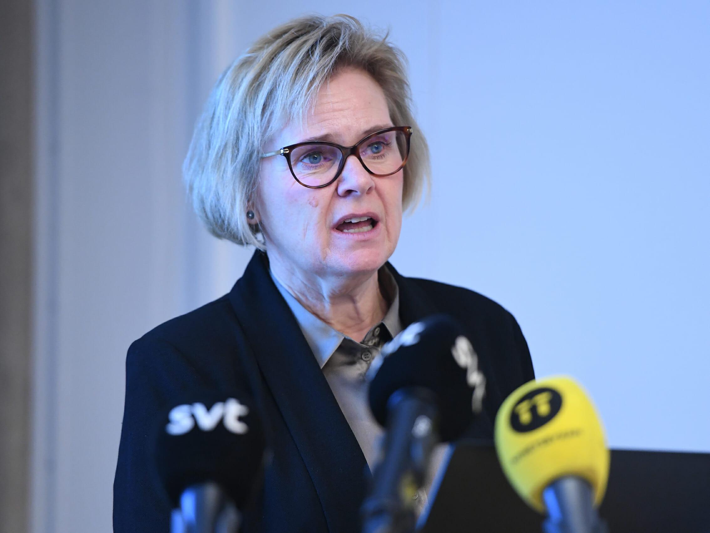 STOCKHOLM 20181218 Riksåklagare Petra Lundh, särskild utredare, presenterar ungdomsreduktionsutredningen vid en pressträff på tisdagen.