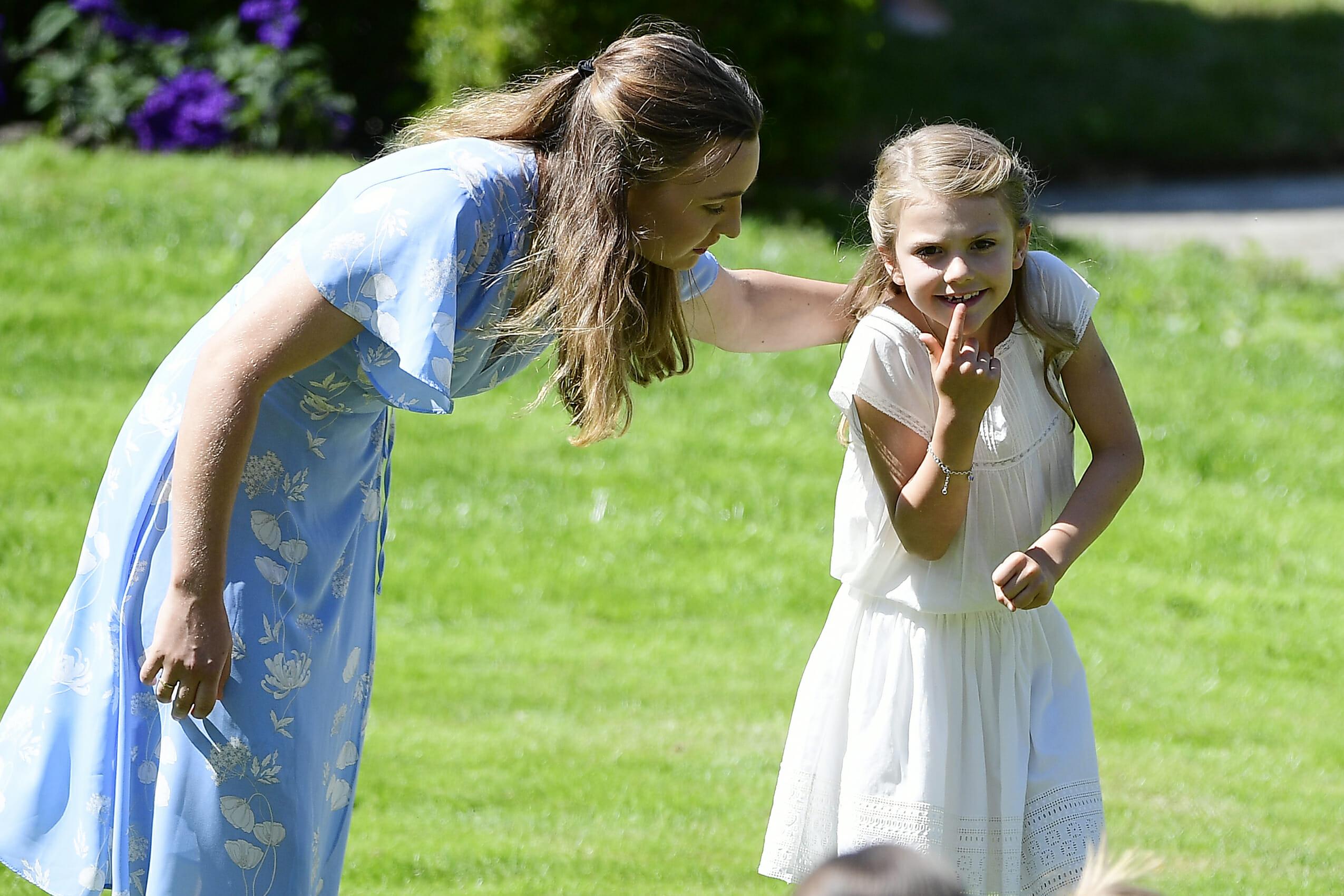 BORGHOLM 2019-07-14 Prinsessan Estelle tillsamman med barnflickan Elvira under Victoria dagen 2019 Kronprinsessan Victoria fyller 42 Âr ,Kronprinsessan Victoria födelsedag firades traditionsenligt på Solliden Borgholm den 14 Juli