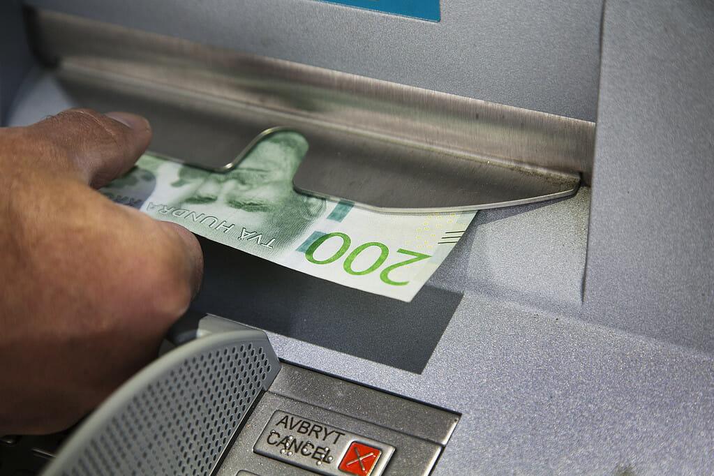 Kontantuttag i bankomat