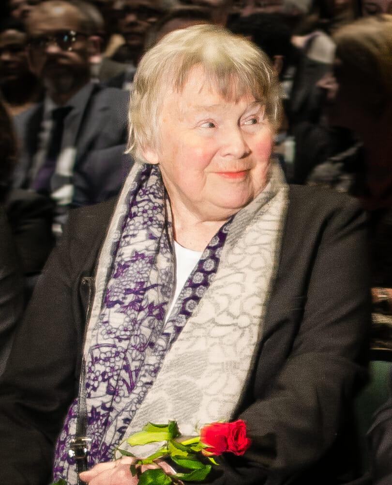 Lisbeth Palme var gift med Olof. Hon avled 2018, 87 år.