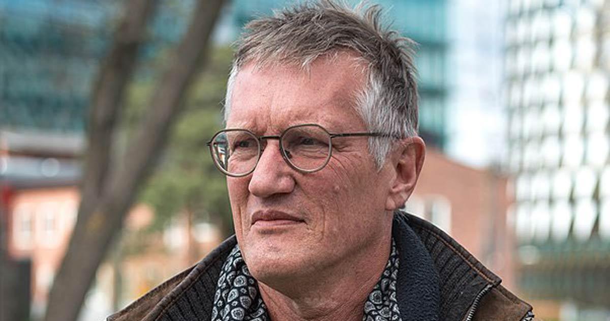 Anders Tegnell är svenskarnas drömgäst vid julbordet