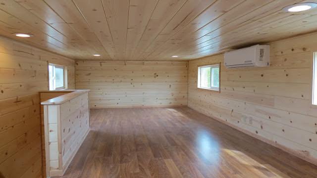 Pavimento della casa in legno