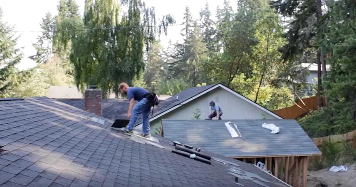 Dekarz tańczy na dachu