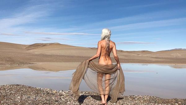 Yazemeenah Rossi na zdjęciu wykonanym dla The Dreslyn oraz Land of Women