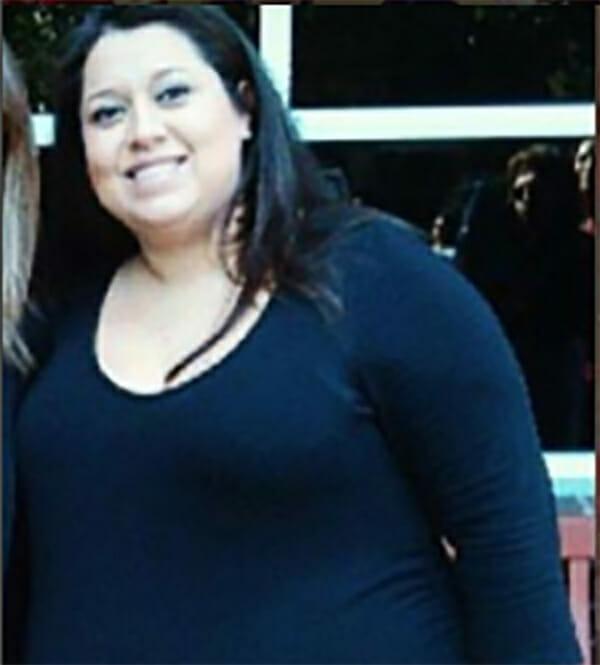 Betsy è nella foto prima di perdere peso