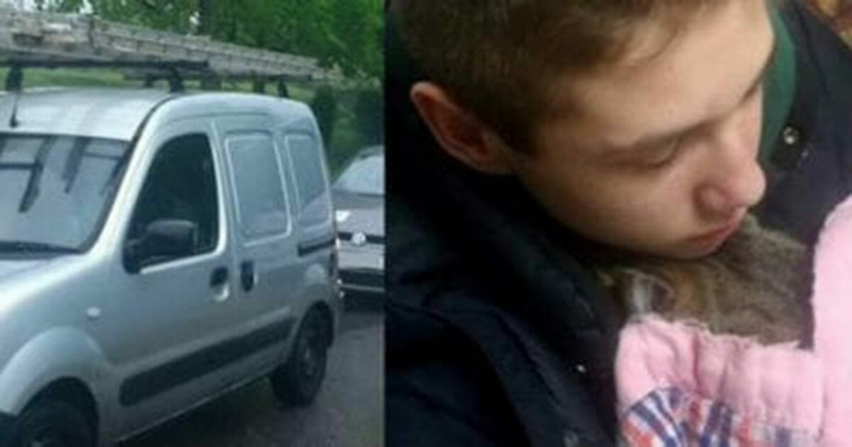 Nastolatek zauważył jak kierowca wyrzuca przez okno śmieci, a chwilę później rzuca się, aby je zabrać
