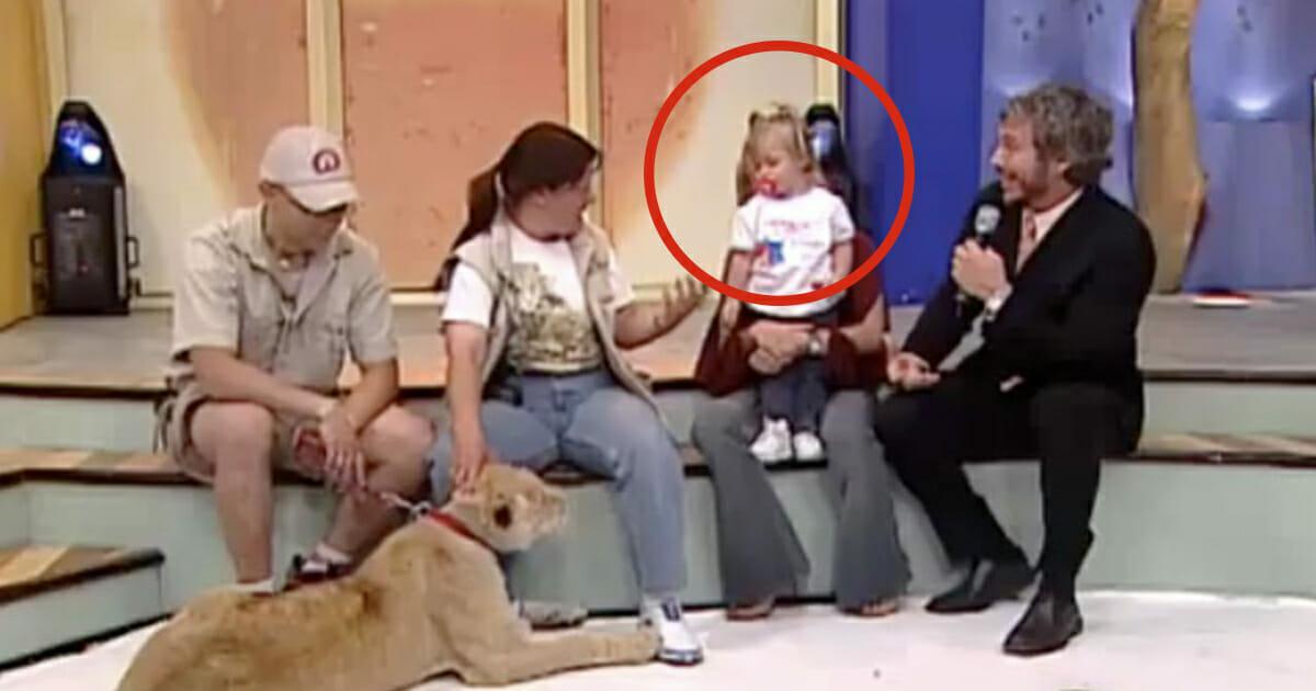 Lew i dziecko występują we wspólnym programie telewizyjnym
