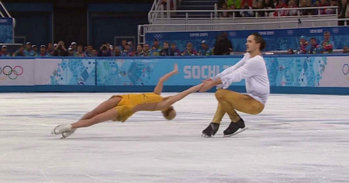 Łyżwiarze wykonują niesamowite rzeczy na lodzie, a publiczność nie może wyjść z zachwytu