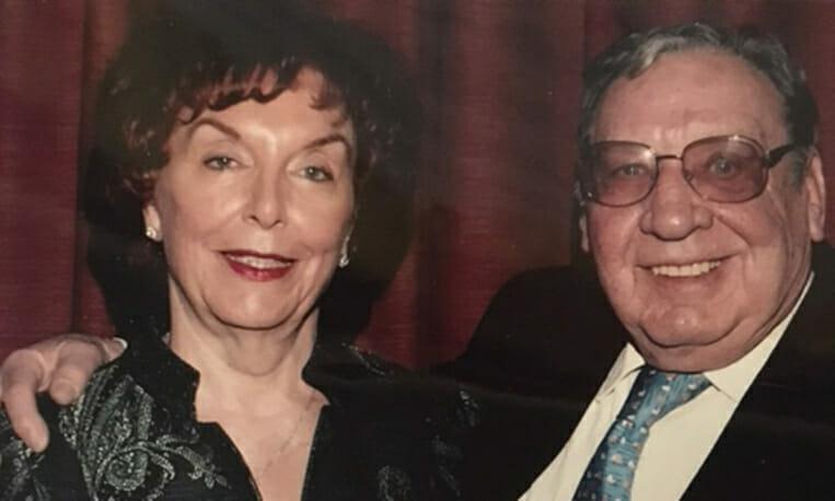 Na zdjęciu znajdują się Ruth i Bob
