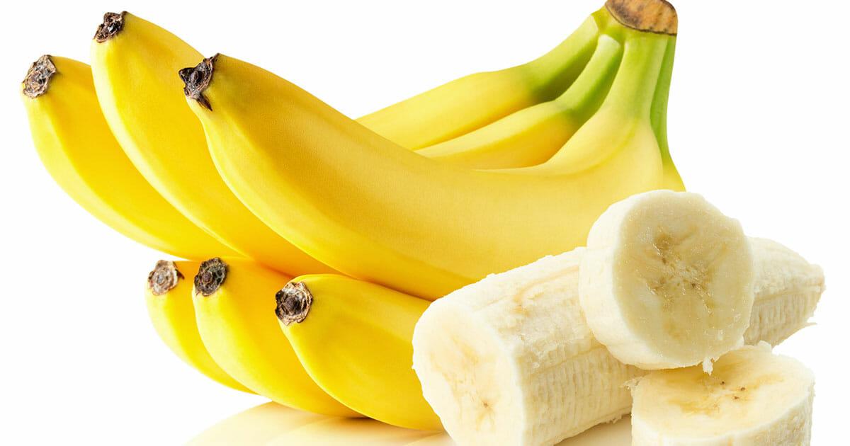 Na zdjęciu znajduje się kiść bananów