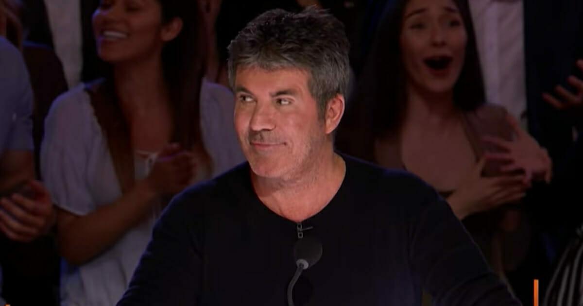 Simon nie może uwierzyć własnym uszom, gdy 15-latka triumfuje nad swoimi oprawcami tym występem