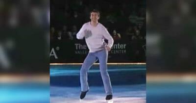 Ryan podczas swojego występu - tańczy na lodzie do piosenki Footloose