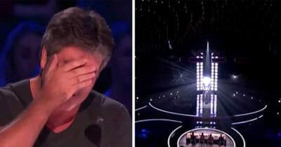 Piosenkarz wchodzi na scenę - jego występ wzruszył Simona Cowella do łez