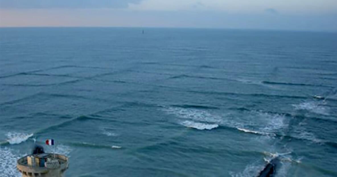 Jeżeli zobaczysz na wodzie kwadratowe fale, miej się na baczności, może grozić Ci niebezpieczeństwo