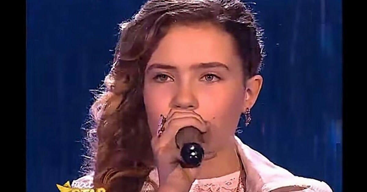 """Młoda dziewczyna śpiewa """"jedną z najtrudniejszych piosenek na świecie"""" - jury wstaje po dwóch nutkach"""