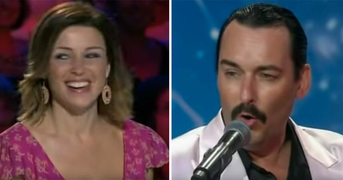 Publiczność śmieje się z 40-latka na scenie - jednak gdy zaczyna śpiewać, zamyka usta wszystkim