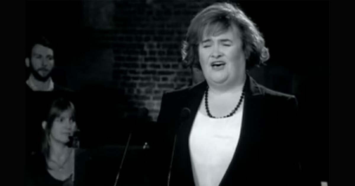 """Susan Boyle ponownie zachwyca - nikt nie spodziewał się takiego wykonania """"Unchained Melody"""""""