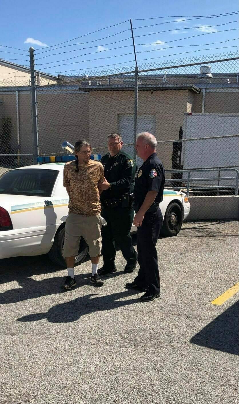 Suthann aresztowany przez biuro szeryfa