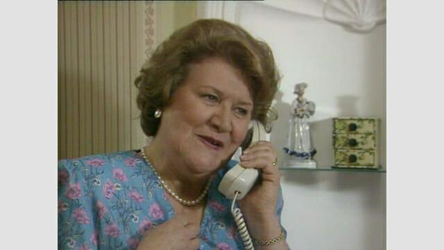 Hiacynta rozmawia przez telefon