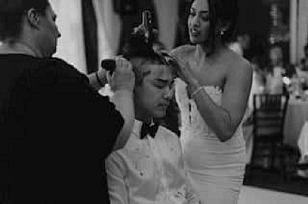 golenie włosów podczas ceremonii ślubnej