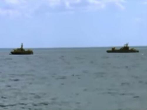 dwie łodzie na wodzie