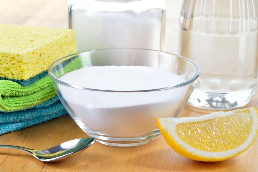 bicarbonato di sodio per i vestiti bianchi