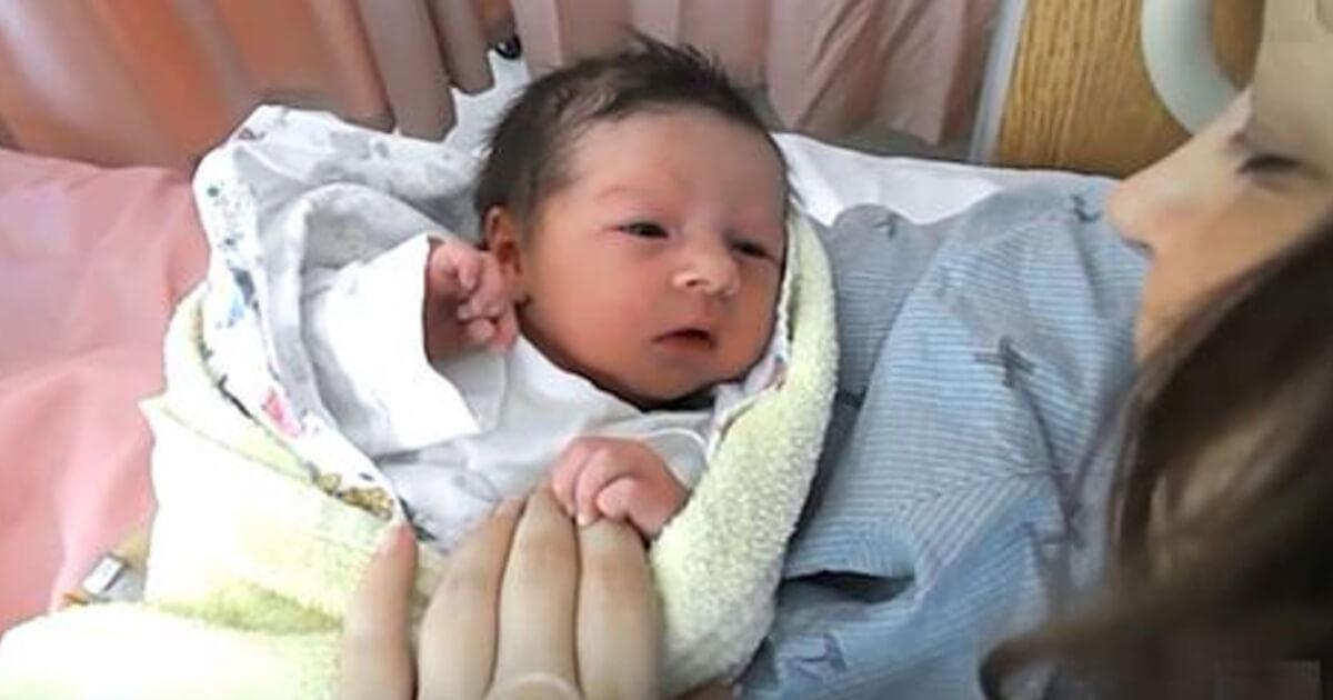 Baby Ohne Schlaf Kleines Mädchen Kommt Mit Ungewöhnlicher Krankheit