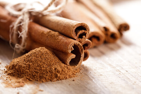 Bildergebnis für Neuer Hausfrauen-Trick zum Abnehmen – mit 3 Zutaten, die ihr einfach in den Kaffee gebt