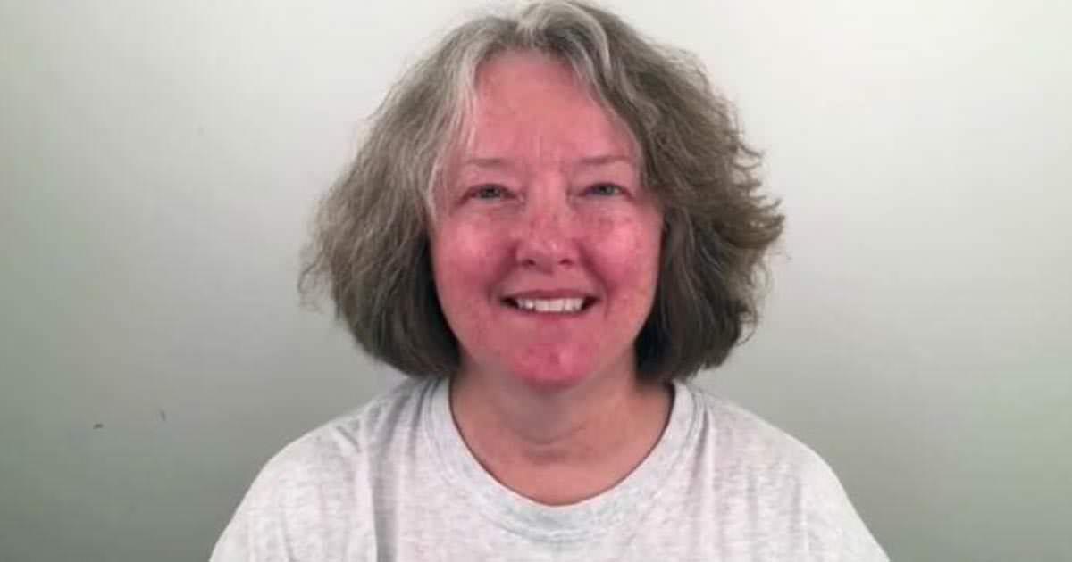 60 Jährige Frau Hasst Ihr Abgenutztes Aussehen Diese Verwandlung