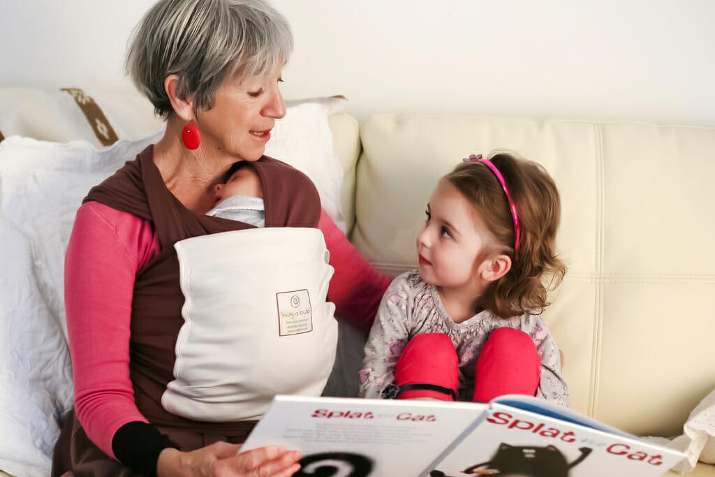 Großmutter und Enkelkind