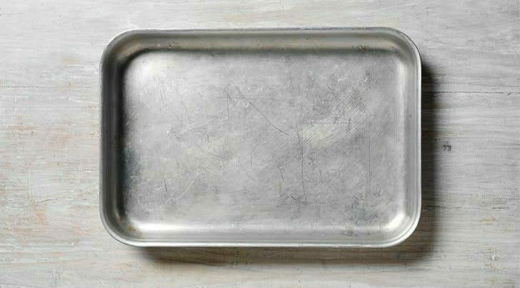 Чем очистить форму для выпечки от нагара